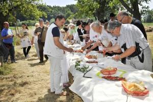 Gosti i sudionici Žetve i vršidbe u prošlosti uživali su u oblinom slavonskom doručku